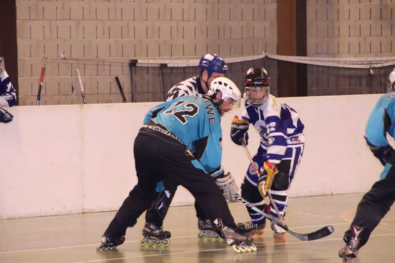 baner hockey players
